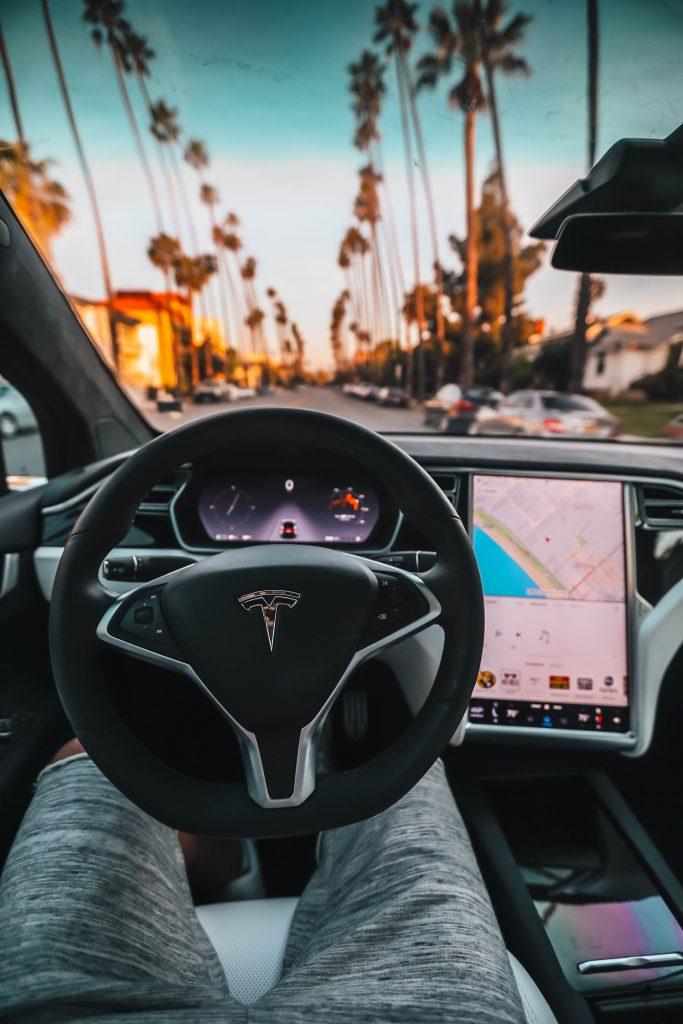 self driving car - telsa